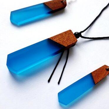 20200429 102418 370x370 - Bijoux en bois et résine époxy. Parure collier et boucles d'oreilles